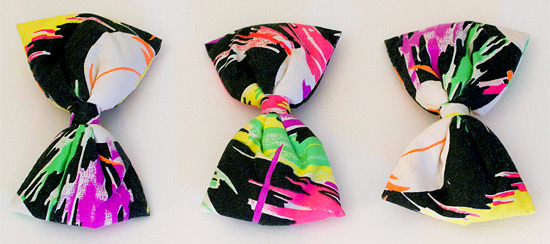 80s neon hair bows (photo credit: recycled stylez)