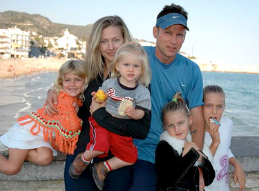 Corey Hart and his family