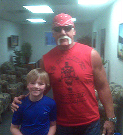 An LT80s friend ran into Hulk Hogan in March 2011 at the Panama City airport.