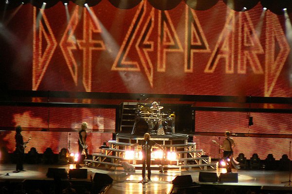Def Leppard - Touring in 2013