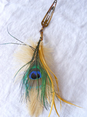 Peacock feather hair clips (photo credit: erinschock)