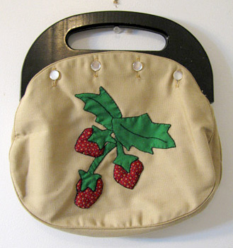 Strawberry Bermuda bag (Photo cedit: Anything Vintage)