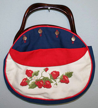 Strawberry Bermuda bag (Photo credit: luckyvintage)