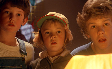 Elliot introduces Gertie & Michael to E.T.