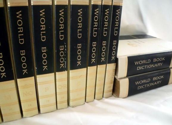 Look it up! – Encyclopedias in the 80s