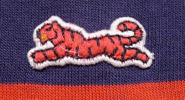 Le Tigre embroidered logo