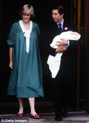 Prince Charles & Princess Diana leave the hospital with newborn Prince William