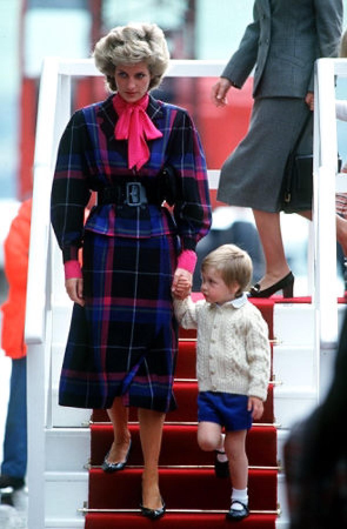 Prince William and Princess Di are inseparable