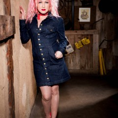 80s Pop Icon Cyndi Lauper Turns to Country Music